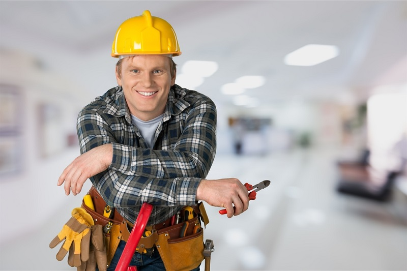Services Offered by An Electrician and How to Choose A Suitable One?
