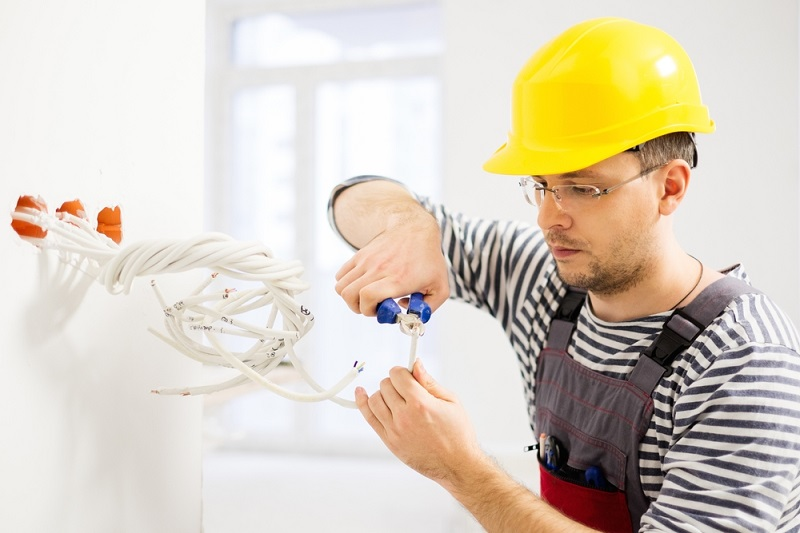 Services Offered by An Electrician and How to Choose A Suitable One? tools