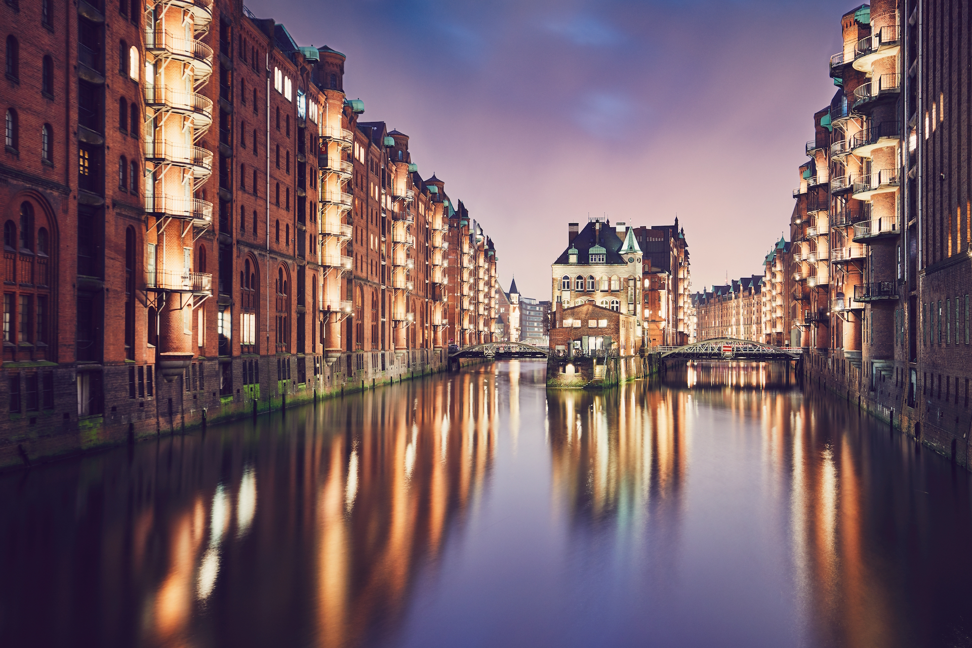 The Charms of Hamburg (3 Powerful Reasons To Visit This Party City)