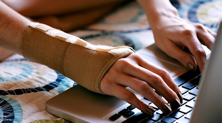 The Selection of 5 Best Wrist Compression Sleeves for Treating Carpal Tunnel Syndrome