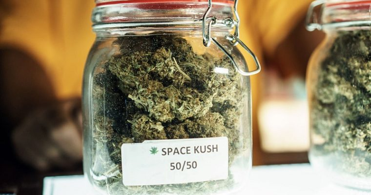 How to Buy Good Marijuana: 4 Tips to Buying Your First Stash from a Recreational Dispensary