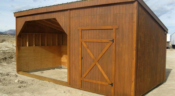 What are the Advantages and Disadvantages of Horse Shelters?