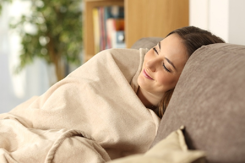 How to Stay Warm at Home This Winter