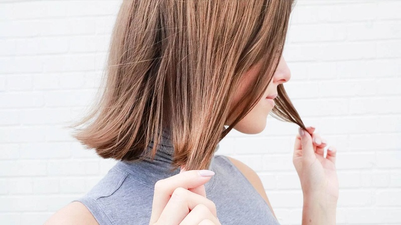 4 Tips to Help Your Hair Grow Out Beautifully