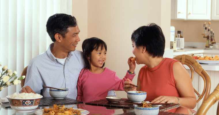 Three ways to make family mealtimes healthier