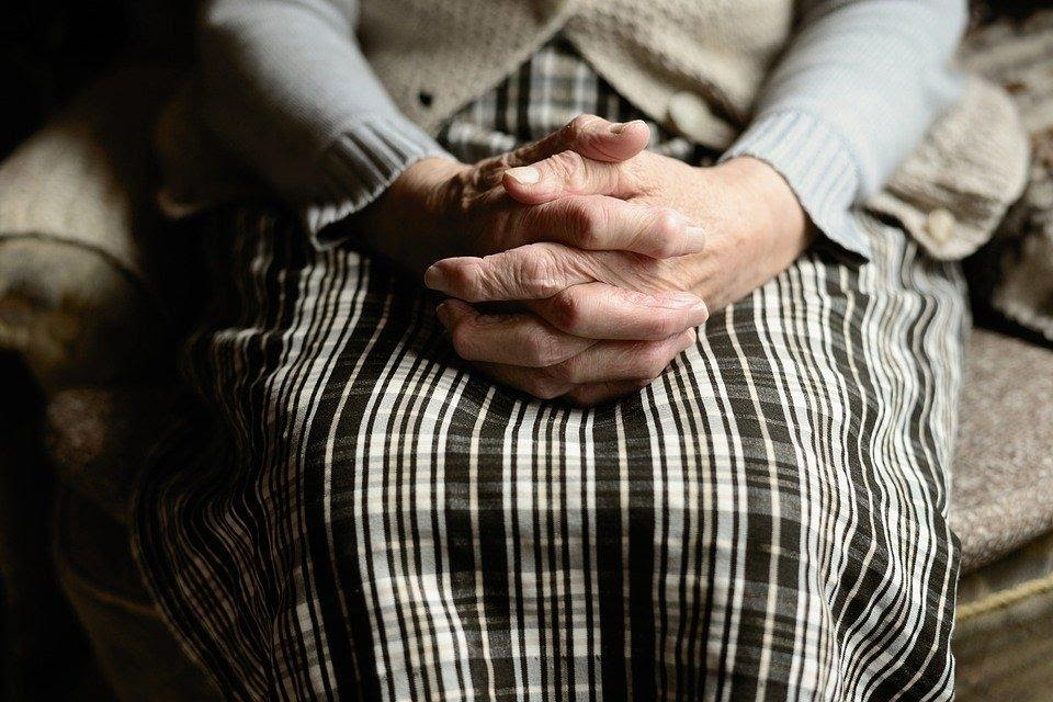 4 Signs that Your Loved One May Need Extra Assistance