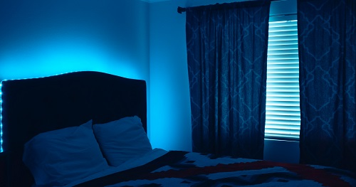 5 Ways That Blue Light Is Bad For You & 1 Way Its Good